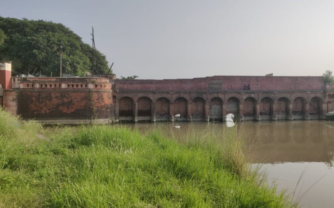 A heritage weir on River Kosi at Rampur
